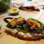 Fit przekąski: co zjeść zamiast owoców i warzyw na diecie?