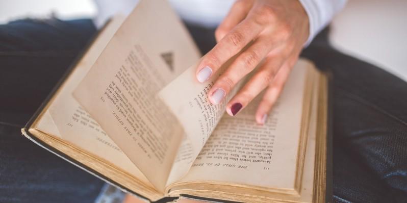 hand-vintage-old-book